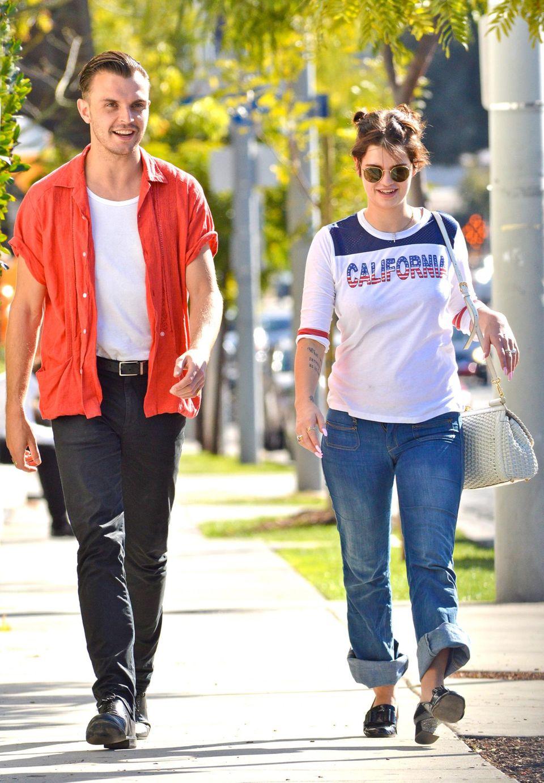 """14. Januar 2014: Frisch aus dem Puerto Rico-Urlaub und von einem Kurztripp nach London zurück, sind Pixie Geldof und Theo Hutchcraft von """"Hurts"""" zusammen im sonnigen West Hollywood unterwegs."""