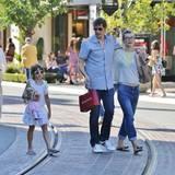 26. August 2014: Die schwangere Milla Jovovich und ihr Mann Paul Anderson bummeln mit Tochter Ever durch West Hollywood.