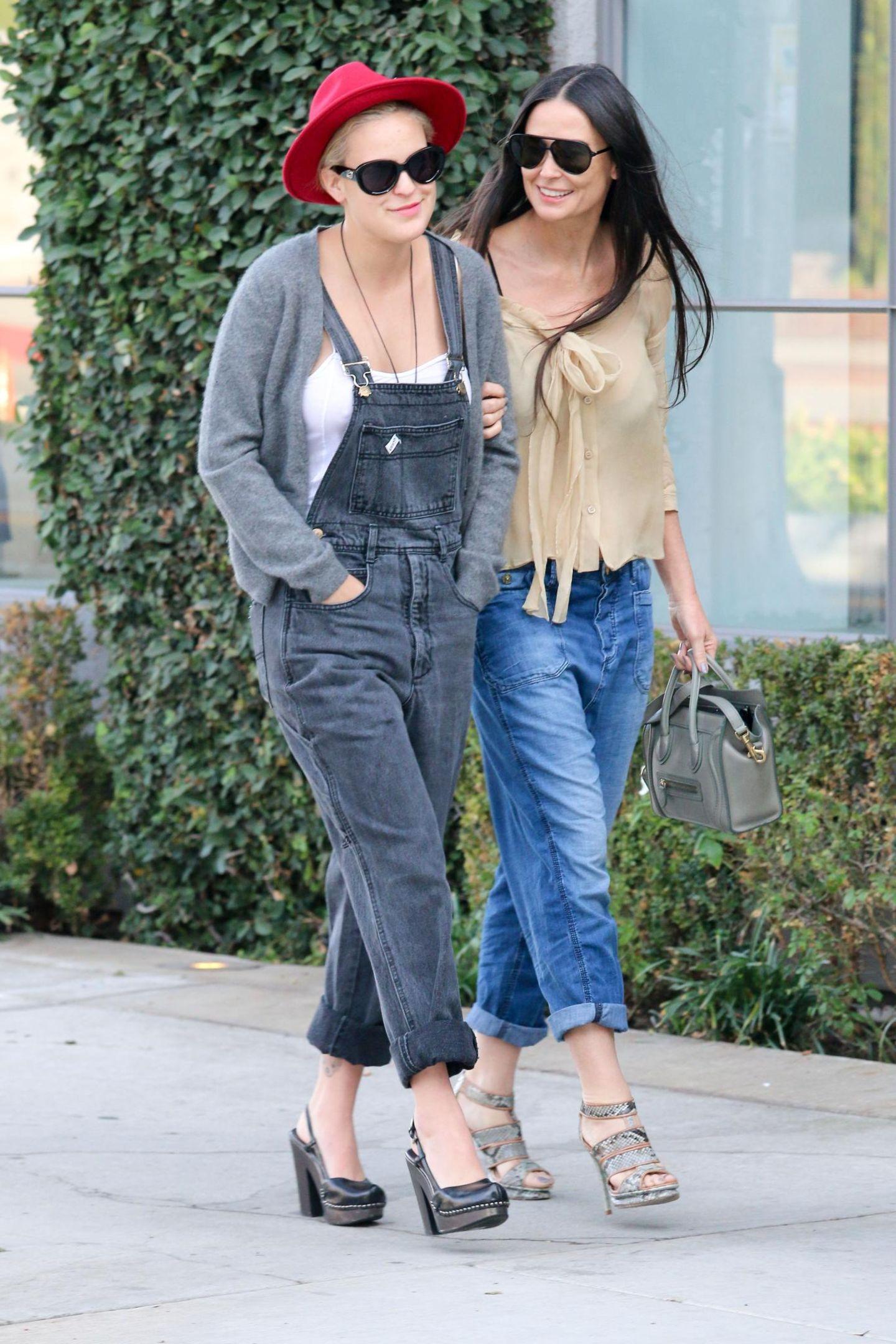22. Oktober 2014: Mutter Demi Moore und Tochter Tallulah sind zusammen in Beverly Hills unterwegs.