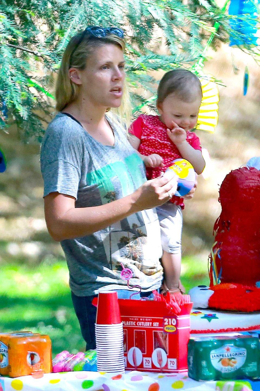 2. Juli 2014: Busy Philipps richtet zu dem ersten Geburtstag ihrer Tochter Cricket eine Sesamstraßen-Party in einem Park in Los Angeles aus.