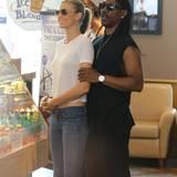 19. Juni 2014: Eddie Murphy und seine Freundin Paige Butcher holen sich einen Kaffee.