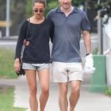 4. Dezember 2014: Michael Fassbender spaziert mit seiner neuen Freundin Alicia Vikander Arm in Arm durch Sydney.