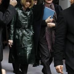 Vogue-Chefin Anna Wintour und ihr Kollege Hamish Bowles suchen nach den Fashion Weeks in New York und London auch in Mailand nach den besten Trends für den kommenden Herbst und Winter.