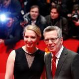 Bundesinnenminister Thomas de Maizière ist in Begleitung seiner Tochter Nora zur Berlinale gekommen.
