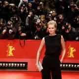 Das deutsche Model Toni Garrn zieht alle Blicke auf sich.