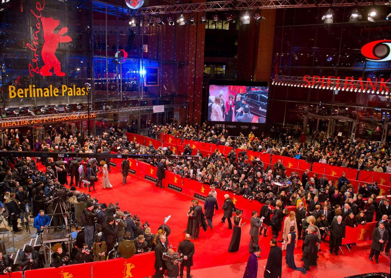 Trubel in Berlin: Gäste, Presse und Stars der Berlinale kommen am Potsdamer Platz an.