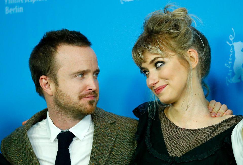 """Nach dem Aus der Serie """"Breaking Bad"""" wird Aaron Paul zum Filmstar. Zur Berlinale ist er mit Kollegin Imogen Poots gekommen, um den gemeinsamen Film """"A Long Way Down"""" zu promoten."""