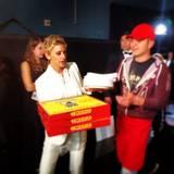 Ellen DeGeneres hat Pizza fürs Publikum bestellt.