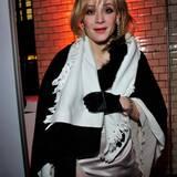 """2011:  In dem Film """"Rubbeldiekatz"""" stellt Matthias Schweighöfer seine Wandelbarkeit unter Beweis und schlüpft in die Rolle einer Frau. Bei der Fashion Week Berlin erscheint er zur Show von Guido Maria Kretschmer dann ebenfalls in Frauenkleidung und mit Make-up - der Designer hatte die Kostüme für den Film gemacht."""
