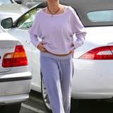 Beim Anblick von Britneys Schlabber-Look mit ausgeleiertem Pullover und verwaschenen Sweathosen kann man oftmals leicht vergessen, dass sie in die Welt der Stars gehört.