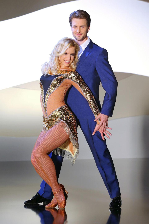Alexander Klaws tanzt mit Isabel Edvardsson.