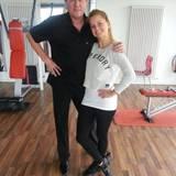 Bernhard Brink und Tanzpartnerin Sarah sind fit für das Tanztraining.