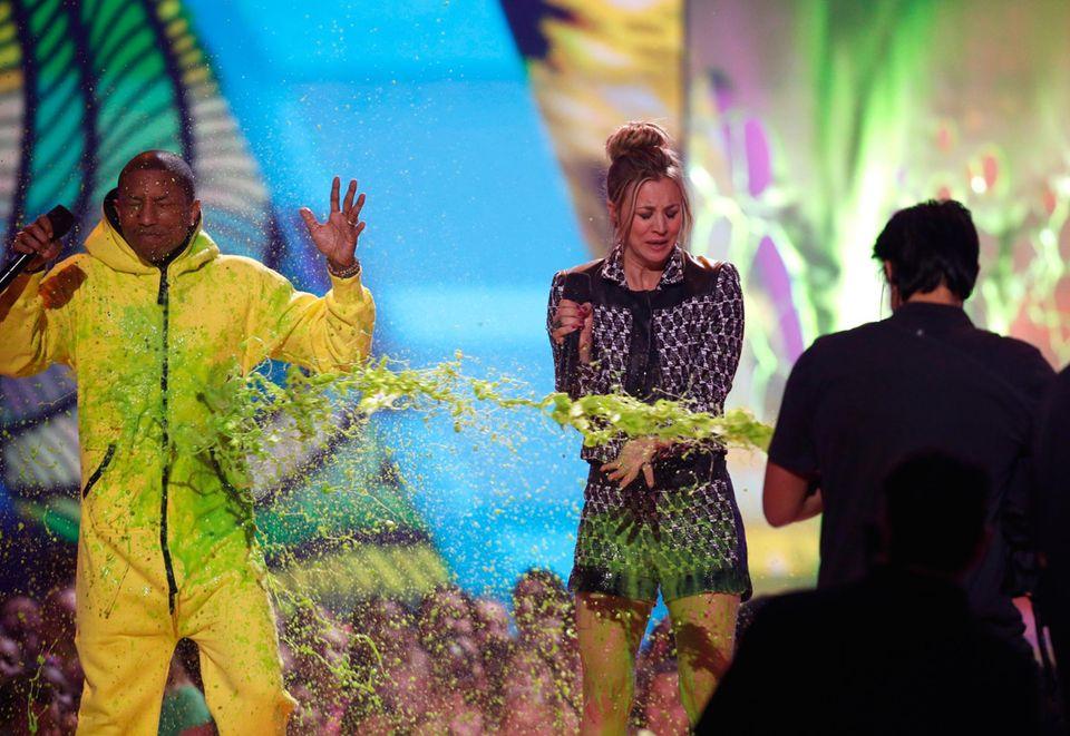 Pharrell Williams und Kaley Cuoco