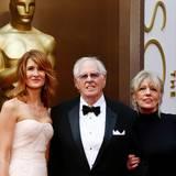 Bruce Dern, der als bester Hauptdarsteller nominiert ist, bringt seine Frau Andrea und Tochter Laura mit zu den Academy Awards.