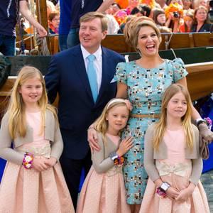 Prinzessin Amalia, König Willem-Alexander, Prinzessin Alexia, Prinzessin Ariane und Königin Máxima