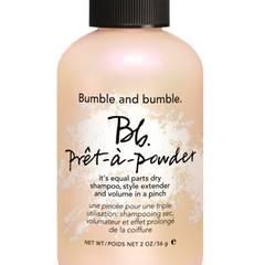 """Mal keine Zeit zum Haarewaschen? Das """"Prêt-à-powder""""-Haarpuder funktioniert wie ein Trockenshampoo. Von Bumble and Bumble, 56 g, ca. 30 Euro, exklusiv bei Douglas"""