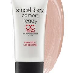 """Pflege, Foundation und Sonnenschutz in einem: Die """"Camera Ready CC Cream"""" optimiert den Teint blitzschnell. Von Smashbox, 30 ml, ca. 33 Euro"""