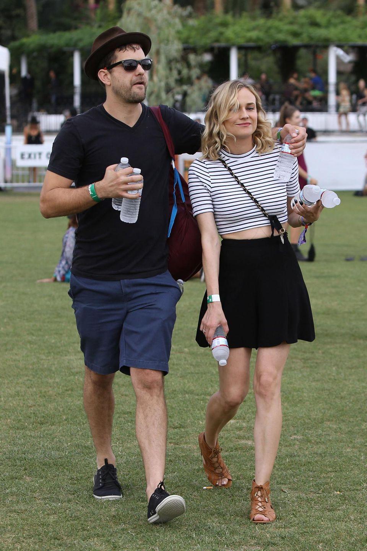 Diane Kruger und Joshua Jackson haben sich erst mal mit Wasserflaschen eingedeckt.