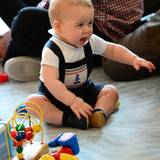 """Der kleine Prinz darf sich mit Gleichaltrigen in einer Spielgruppe der """"Royal New Zealand Plunket Society"""" vergnügen."""