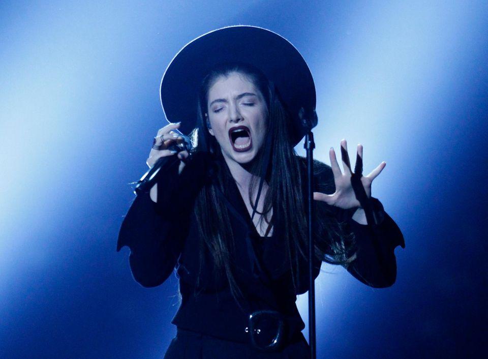 """Lorde wird für ihren Song """"Royals"""" ausgezeichnet."""