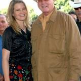 Bridget Fonda stammt nicht nur aus einer berühmten Familie, auch ihr Patenonkel ist ein Star. Mit Larry Hagman hat sich die Schauspielerin Zeit seines Lebens verbunden gefühlt.