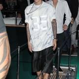 Wie immer in Sportklamotte kommt Justin Bieber zur Jacht-Party.