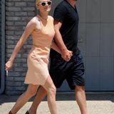 Diane Kruger und Joshua Jackson kommen Händchen haltend zur Party.