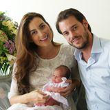 16. Juni 2014  Claire und Félix von Luxemburg sind zum ersten Mal Eltern geworden. Stolz zeigen sie der Öffentlichkeit ihre kleine Prinzessin Amalia Gabriela Maria Teresa, die am 15. Juni das Licht der Welt erblickte.