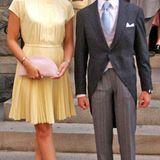 September 2012  Noch etwas schüchtern wirkt Claire Lademacher im Rampenlicht bei der Hochzeit von Erzherzog Imre und Kathleen Walker. An ihrer Seite ist nicht ihr Freund Prinz Félix, dafür aber dessen Bruder Prinz Louis.