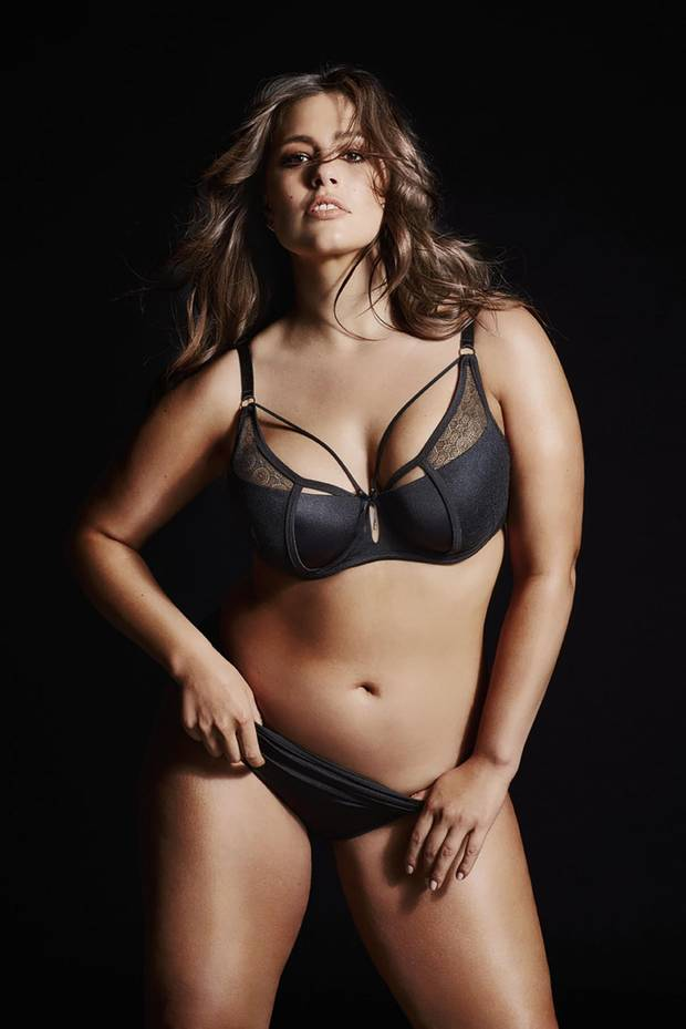 Plus model ashley graham pon pics