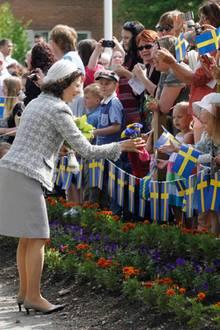 Am Vormittag der Feierlichkeiten sind Königin Silvia und König Carl Gustaf in Ånge.