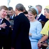 Barack Obama tauscht sich mit dem niederländischen König aus. Königin Máxima, neben Königin Mathilde von Belgien, und scheint ebenso amüsiert wie ihr Mann.