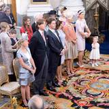 Die sechs Paten (von rechts): Prinzessin Victoria, Tatjana d'Abo (Chris O'Neills Schwester), Alice Bamford (eine Freundin von Chris), Patrick Sommerlath (Prinzessin Madeleines Cousin), Graf Ernst Abensperg und Traun (Chris' Schwager) und Louise Gottlieb (Madeleines Freundin).