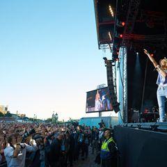 Bei Kaiserwetter spielt Helene Fischer rund eineinhalb Stunden lang live mit Band.