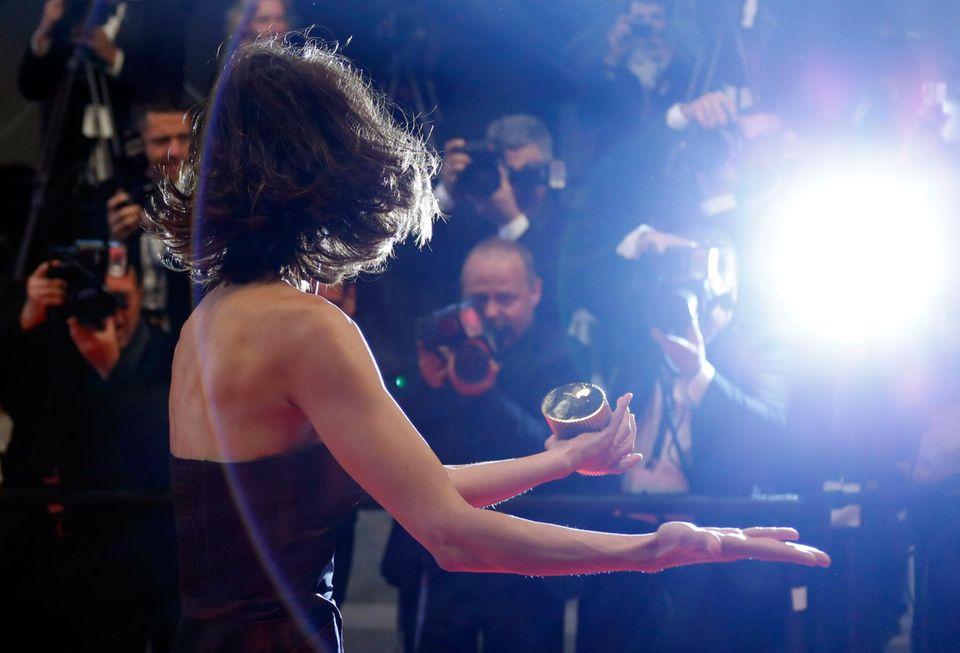 """Sophie Marceau verbreitet gute Laune auf der Premiere des Films """"Coming Home""""."""