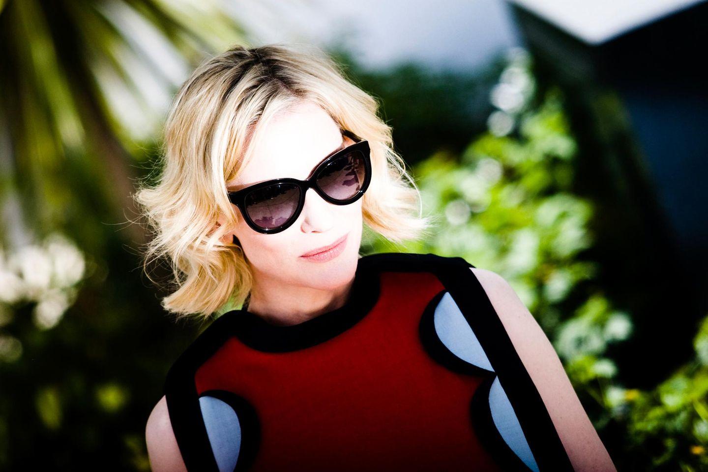"""Zum Photocall von """"How to Train Your Dragon 2"""" trägt Cate Blanchett eine Sonnenbrille."""