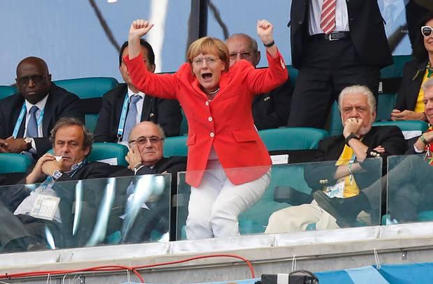 Angela Merkel Fussball Mutti Jubelt Gala De