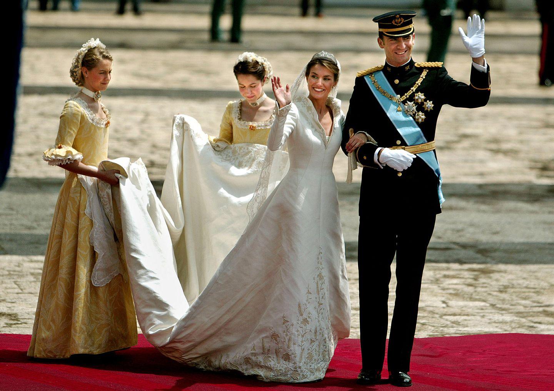 Königin Letizia: Ihre schönsten Kleider in Bildern  GALA.de