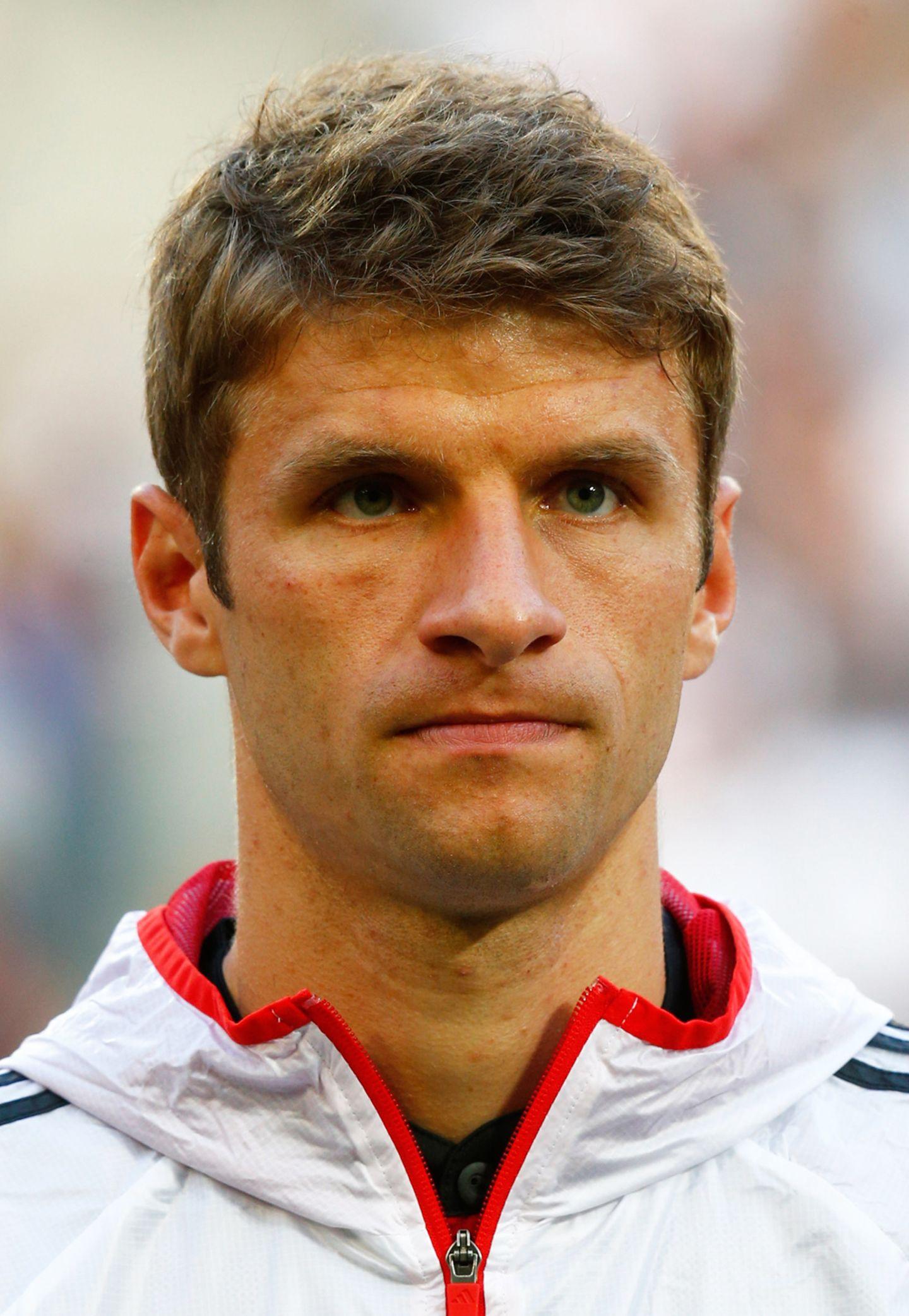 """Thomas Müller ist nicht nur der Name des """"Durchschnittsdeutschen"""", auch die Frisur des offensiven Mittelfeldspielers ist herrlich normal. Der bayerische Naturbursche und Pferdeliebhaber mag es eben einfach und unkompliziert."""
