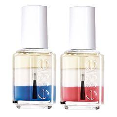 """Cocktail-Shaker: Diese neuen Pflegelacke von Essie bestehen aus jeweils drei Phasen, die sich durch Schütteln aktivieren lassen. Ganz oben schwimmt die Öl-Phase, die die Nagelhaut geschmeidig macht. Mittig befindet sich ein feuchtigkeitsspendendes Serum, und in der farbigen Phase unten ruht entweder roter Guave-Extrakt für festere Nägel, beruhigender Gurke-Extrakt oder ein stärkender aus der Blaualge. """"Essie Shakes"""", je ca. 8 Euro"""