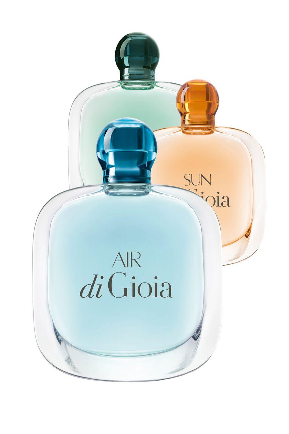 """Giorgio Armanis Duft """"Acqua di Gioia"""" hat Zuwachs bekommen: """"Sun"""" und """"Air"""" sind zwei sommerliche Parfüms, die an einen Urlaub in Sizilien erinnern. 50 ml EdP, ca. 55 Euro."""
