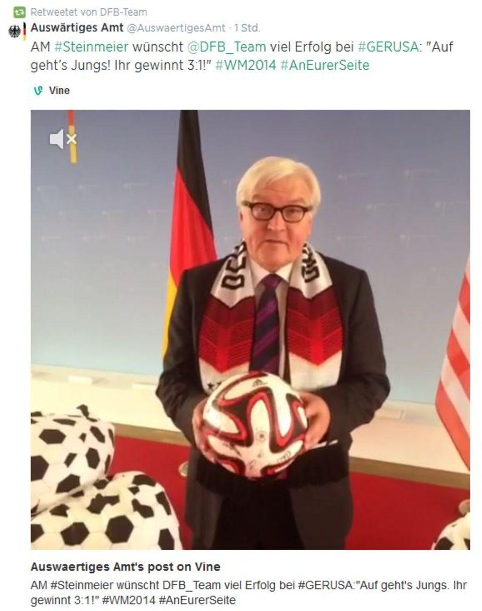 Frank-Walter Steinmeier wünscht der deutschen Nationalmannschaft gegen die U.S.A. viel Erfolg.