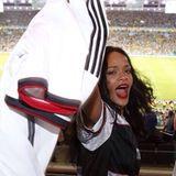 Rihanna jubelt im Stadion mit dem deutschen Team.