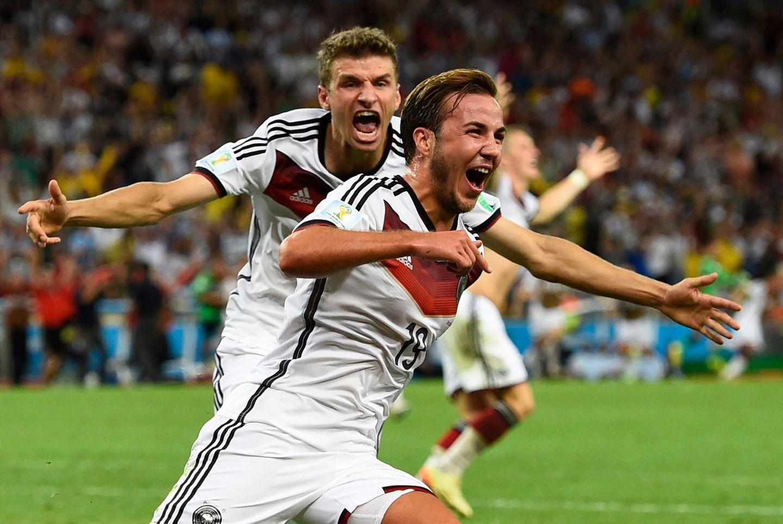 Merte, Klose und Lahm: Mario Götze erlöst Mannschaft und Fans und schießt den Siegtreffer in der 113. Minute.