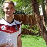 """Manuel Neuer wird für sein Spiel gegen Algerien zum """"Man Of The Match"""" gekürt."""