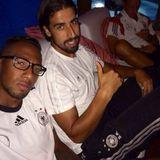 """""""Goodbye Campo Bahia - Hello Rio"""", schreibt Jérôme Boateng zu dem Schnappschuss mit Sami Khedira und Mesut Özil."""