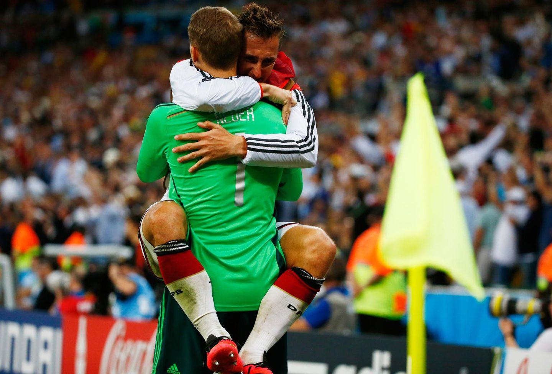 Merte, Klose und Lahm: Miroslav Klose lässt seinen Tränen freien Lauf.