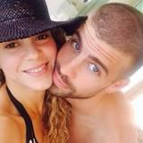 """Fußball hat ihr Leben verändert: Shakira bedankt sich bei dem Sport, weil sie durch ihn die """"Liebe ihres Lebens"""" getroffen hat. Die Sängerin lernte bei der WM vor vier Jahren den spanischen Nationalspieler Gerard Pique kennen. Mittlerweile hat das Paar einen gemeinsamen Sohn."""