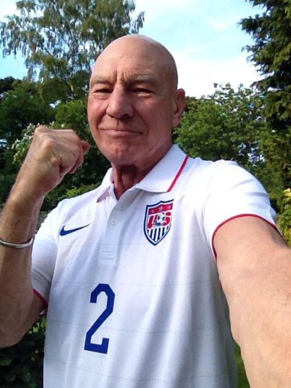 Sir Patrick Stewart unterstützt seine US-Boys aus der Ferne.