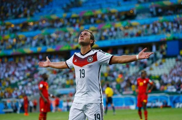 Mario Götze trifft nach einer Flanke von Müller in der 51. Minute zum 1:0.